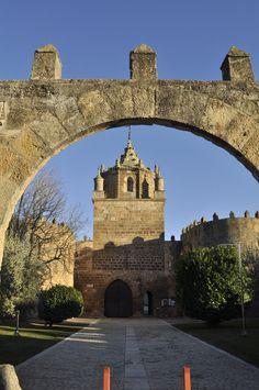 Por fin es viernes y publicamos el monasterio de Santa María de Veruela. #historia #turismo http://www.rutasconhistoria.es/loc/monasterio-de-santa-maria-de-veruela