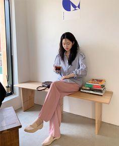 Korean Girl Fashion, Korean Fashion Trends, Korea Fashion, Asian Fashion, Chic Outfits, Fall Outfits, Fashion Outfits, Clothes Encounters, Blue And White Striped Shirt