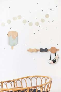 If you love the combination of white, black and wood, we're sure you'll enjoy these wooden hooks for children.