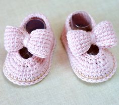 CROCHET PATTERN Baby Shoes with Matching Headband - This listing is for a PATTERN and NOT a finished item. This Pattern gives instructions for making these cute little bow shoes with sweet matching headband. Easy and fun to make - suitable for improving beginners who are familiar with basic crochet stitches and reading simple patterns.  Discounts offered for bulk purchases of patterns:- Any 2 patterns for $10.00 use code: 24TEN Any 3 patterns for $14.00 use code: 34FOURTEEN Any 4 patterns…