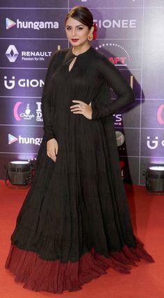 Huma Qureshi at GiMA Awards event. Pakistani Fashion Party Wear, Party Wear Lehenga, Party Wear Dresses, Bollywood Fashion, Wedding Dresses Men Indian, Indian Dresses, Indian Outfits, Indian Designer Outfits, Designer Dresses