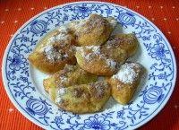 Povidlové tašky zbramborového těsta Czech Recipes, French Toast, Deserts, Dishes, Cooking, Breakfast, Sweet, Czech Food, Kitchen
