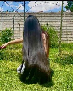 Beautiful Long Hair, Layered Cuts, Female Images, Black Hair, Long Hair Styles, Beauty, Instagram, Women, Hair Black Hair