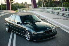 """Zobacz temat - BMW e36 sedan ze """"skubanym dachem"""""""