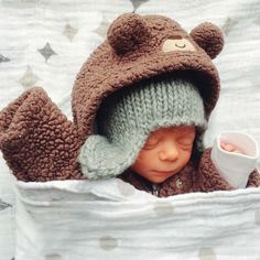 You've mustered up the courage to take your peanut out in the cold, but what should she wear? Here's how to dress your baby for winter.