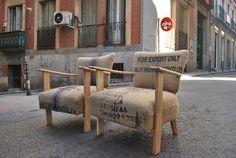 Butacas tapizadas con sacos de café Coffee Sacks, Furniture Restoration, Chair Design, Burlap, Armchair, Rustic, Diy, Inspiration, Madrid