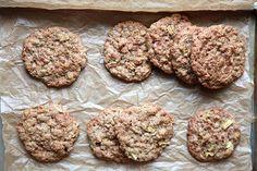 Joy the Baker Apple Cinnamon Oatmeal cookies Winter Desserts, Apple Desserts, Cookie Desserts, Just Desserts, Cookie Recipes, Dessert Recipes, Apple Cookies, Cinnamon Cookies, Oatmeal Cookies