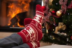 If you're getting stressed and feeling less and less jolly this holiday season, you're not alone! Learn 3 ways you can de-stress to avoid that Scrooge attitude and get back your holiday cheer. Holiday Stress, Holiday Break, After Christmas, Family Christmas, Christmas Shopping, Beautiful Prayers, Most Beautiful, Profile By Sanford, Have A Great Monday