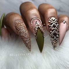 We have collected 130 + elegant Rhinestones coffin nails for you. Enjoy these beautiful nail art and welcome your Inspiration erupted! Stiletto Nails, Glam Nails, Dope Nails, Bling Nails, Nails On Fleek, My Nails, Coffin Nails, Fabulous Nails, Gorgeous Nails