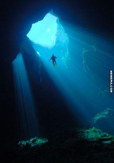 Epic underwater cave - MemePix
