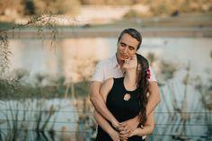 Fotografía de parejas, prebodas y familiares al aire libre | elopement | fotógrafo de matrimonios en Chile Wood Watch, Chile, Fashion, Couple Photos, Wooden Clock, Moda, Chili, La Mode, Chilis