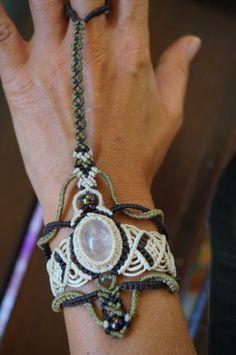 lovely hand made macrame finger bracelet with moonstone by Bhagsushop on Etsy
