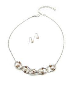<em></em>Link Fresh Water Pearl Silver Necklace