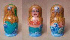 Sirena matrioska, fa parte della serie sul tema marino. #sirenmatrioska #seamatrioska #messageinthebottle #octopus