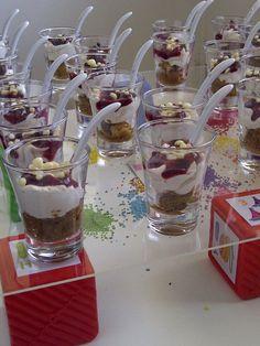 Nueva tendencia en mesas dulces: shots tequileros con postres, de esta manera no se desperdicia comida y queda divino en una mesa dulce