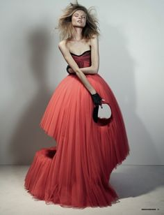 HD Magdalena Frackowiak in Viktor & Rolf Haute Couture photographed by Josh Olins for Dazed & Confused, February Weird Fashion, Fashion Art, Editorial Fashion, High Fashion, Fashion Beauty, Fashion Design, Dress Fashion, Fashion Editor, Mode Queer