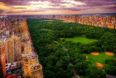 Central Park gives me warm and fuzzies inside just thinking about it!! Such a beautiful place!