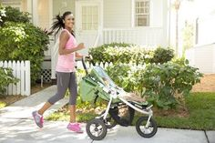 7 Essential Workouts to Make You a Stronger Mama - Forget about the baby weight. It's time to focus on gaining the strength you need to get through the marathon of motherhood.  #moms