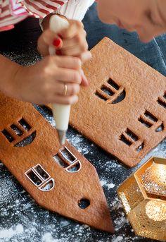 5. Gör den mesta dekoren innan du monterar huset.