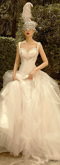 Luxury and Opulence / karen cox.  No to the mask, but what a dress! St. Pucchi ♔ Très Haute Bride ♔