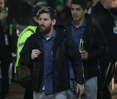 Lionel Messi of Barcelona arrives at the stadiium prior to kick off during the UEFA Champions League Group C match between Celtic FC and FC Barcelona at Celtic Park Stadium on November 23, 2016 in Glasgow, Scotland.