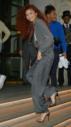 Moda Zendaya, Estilo Zendaya, Zendaya Hair, Zendaya Outfits, Zendaya Style, Zendaya Fashion, Black Girl Red Hair, Zendaya Maree Stoermer Coleman, Long Curly Hair