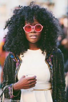 I know it's silly to want what you can't have, but can we just talk about how FABULOUS this fro is and how much hair envy I feel when I look at this? Lol