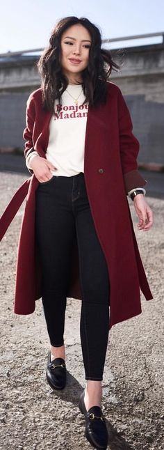 #spring #outfits woman wearing white shirt, black pants, red trench coat, and pair of black leather horsebit loafers outfit. Pic by @kateogata