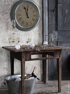 In truth, gray can definitely be cold but it can also be warm Shabby Style, Shabby Chic, Ikea Clock, Ikea Ps 2014, Ikea Christmas, Sweet Home, Interior Design Boards, Rustic Room, Ivy House