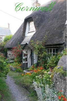 Lovely cottage in Cadgwith - a little fishing village on the Lizard Peninsula in Cornwall.
