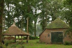 Heerde, Landgoed Vosberge, kleine boerderij met hooiberg