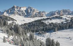 Practical information on Corvara slopes, lifts, terrain parks, and off-piste areas