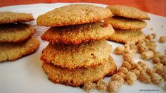 Yes, i know the combination reminds you of our traditional 'chikki'. And this one tastes quite like it too. Usually, i am not too fond of soft cookies, but these taste absolutely divine. The peanut and jaggery combination, we know is a winner. The amaranth flour adds a crunchy feel and gives the coo