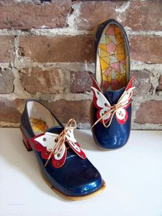 Items similar to AMAZING Fun and Funky shoes, New Old Stock from the Swinging on Etsy 60s And 70s Fashion, Mod Fashion, Fashion Shoes, Vintage Fashion, Hipster Fashion, 70s Shoes, Funky Shoes, Me Too Shoes, Vintage Outfits