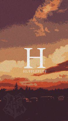 Harry Potter ⚯͛ Houses Tumblr Wallpaper, Home Wallpaper, Harry Potter Lufa Lufa, Hufflepuff Wallpaper, Harry Potter Thema, Imprimibles Harry Potter, Wallpaper Fofos, Yer A Wizard Harry, Harry Potter Tumblr