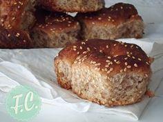 ladokouloura leukadas- baked so ends up as a pull-apart Greek Sweets, Greek Desserts, Greek Recipes, Desert Recipes, Greek Bread, Greek Cake, Eat Greek, Koulourakia Recipe, Greek Cookies