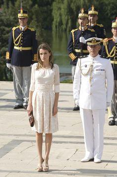 Queen Letizia of Spain Photos - Prince Felipe & Princess Letizia Visit Romania - Day 1 - Zimbio