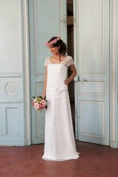 Robe de Mariée Elsa Gary, modèle Alexandra, disponible en boutique • #robedemariée #wedding #bridal