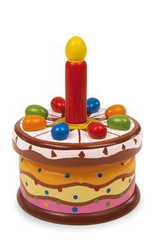 """Happy birthday to you..."""" klinkt er bij dit bont gelakt speeluurwerk om in te bijten! Een houten kaars zit in de aluminium houder, die echter door een echte kaars kan worden vervangen. Een vrolijke melodie bij de gelukwensen op de verjaardagstaart maakt de gedenkwaardige dag nog leuker!"""