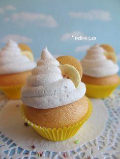 Fake Cupcake Banana Pudding with Vanilla Wafer - Imagine Out Loud