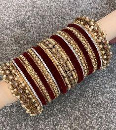 Antique Jewellery Designs, Fancy Jewellery, Stylish Jewelry, Diamond Jewellery, Indian Bridal Jewelry Sets, Bridal Bangles, Bridal Accessories, Jewelry Design Earrings, Hand Jewelry