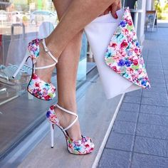 """Instagram'da Me Gustan Los Zapatos: """"Bello!! Síguenos ✅ @me_gustan_los_zapatos Etiqueta a tus amigas... #highheels #zapatos #tacon #tacones #shoes #love #cute #shoe #pumps…"""""""