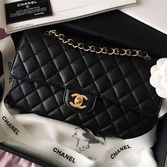 Chanel Classic Small, Caviar, Gold Hardware
