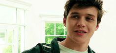 """""""Are you scared because your dad is the sheriff?"""" """"Why do you keep… # Tienerfictie # amreading # books # wattpad Nick Robinson, Amor Simon, Love Simon, Melissa & Joey, The 5th Wave, George Ezra, Eric Christian Olsen, Are You Scared, Wattpad"""