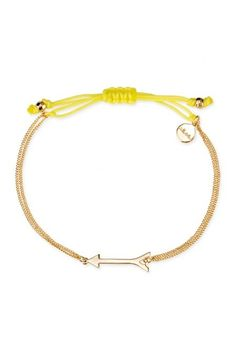 This arrow bracelet is a chic reminder to never stop chasing your dreams. The Wishing Bracelet is a versatile & adjustable gold bracelet from Stella & Dot. www.stelladot.com/martruiz