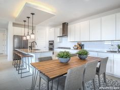 The Saguaro townhome can accommodate up to four bedrooms and the option for a loft and covered patio. Large Kitchen Island, Kitchen Island With Seating, Open Kitchen, Pulte Homes, Contemporary Light Fixtures, Latest House Designs, Kitchen Models, Home Technology, Houses