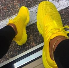 New Nike Presto Running Shoes Sneakers Shoes, Nike shoes, Nike yellow nike shoes - Yellow Things Yellow Nikes, Pink Nikes, Nikes Girl, Yellow Black, Pink White, Nike Presto Damen, Cute Sneakers, Shoes Sneakers, Women's Shoes