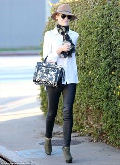 Jaime King dons leather trousers and chic hat for shopping spree - Celebrity Fashion Trends
