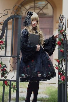 •○~ Gothic lolita fashion, ゴスロリ ♥  dress - gate - roses - flowers - blonde hair - headdress - coordinate - cute - kawaii - Japanese street fashion✮ ~•○