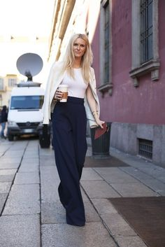 I like this very simple outfit. Cream on Top, white T-shirt underneath, navy high waisted wide-legged trousers. Flattering, but petite frame may want to add a short heel or wedge most likely also :)